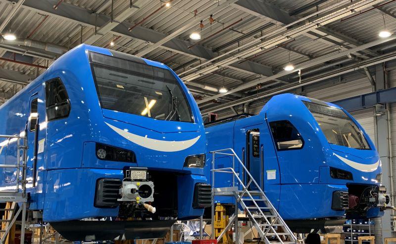 Die Stadler-Züge, die bei Go-Ahead Bayern fahren, werden im Stadler-Werk Pankow produziert (Bild: Stadler/Silja Kollner).
