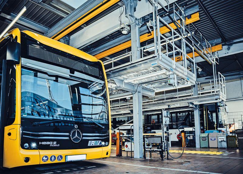 Insbesondere der ergonomische Austausch der schweren Akku-Module auf dem Dach der E-Busse führte zu der Neuinvestition bei der HEAG (Bild: Krause-Werk).