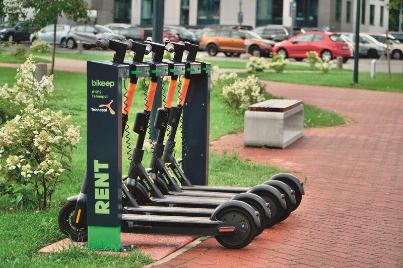 Speziell für E-Scooter gibt es zusätzlich das Parksystem »Skeep« – zur Vermeidung von wildem Parken privat genutzter E-Tretroller sowie zur Etablierung von privaten bzw. öffentlichen Verleihangeboten oder für Flottenbetreiber (Bild: Ziegler).